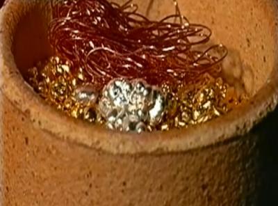 mélange de métaux avant la fonte